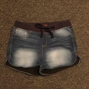 🐢 stretchy jean shorts